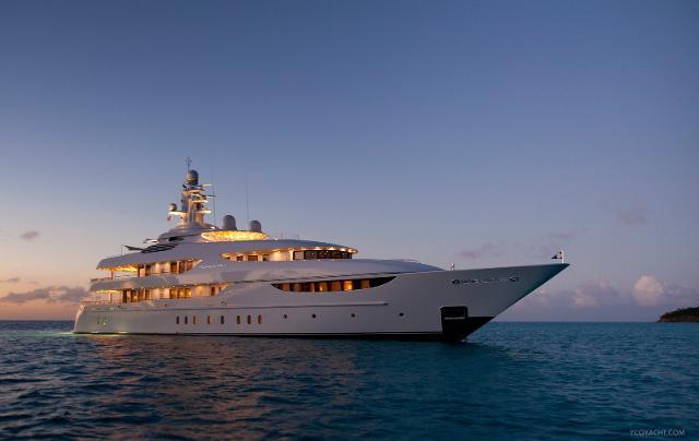 Google's ex-CEO Eric Schmidt paid a gigantic 72.3 million USD for his favorite yacht