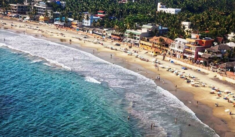 kovalam-beach-pondy-Top Destinations for Honeymoon Couples in India
