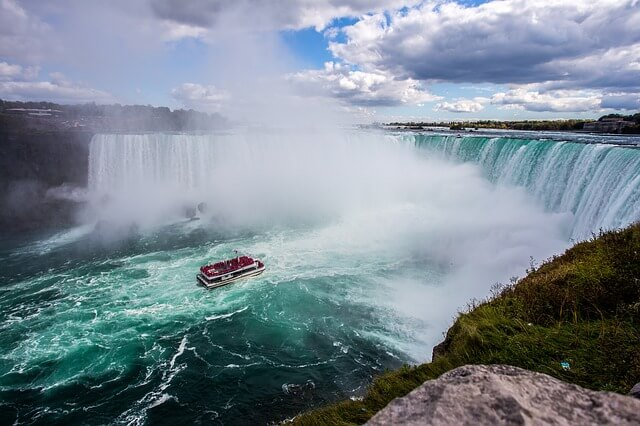 Canada - Top 10 Most Beautiful Countries in the World