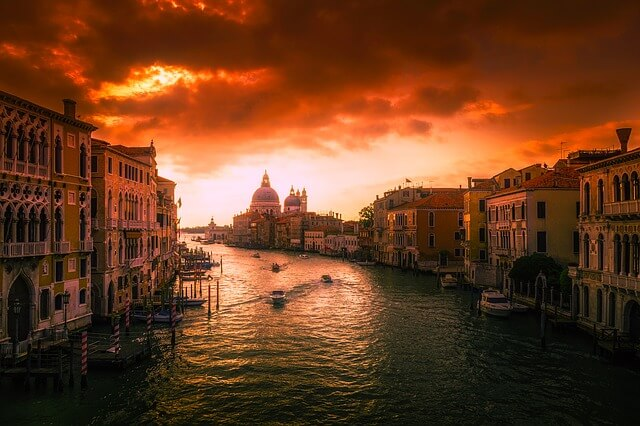 venice-10 most amazing cities in the world
