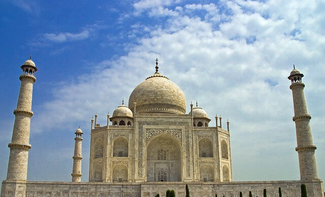 Taj Mahal India - best places to travel for cheap