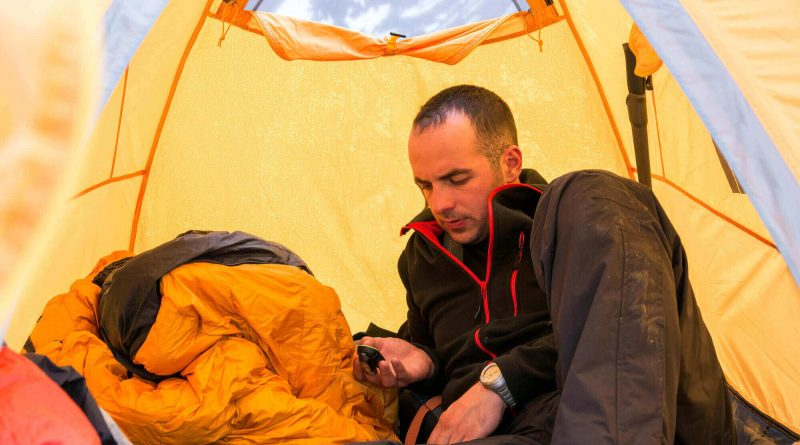 5 High-Tech Camping Gadgets Hunters Need