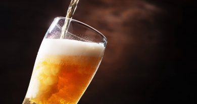 The Perfect Beer Hack: How to Pour a Beer from a Bottle