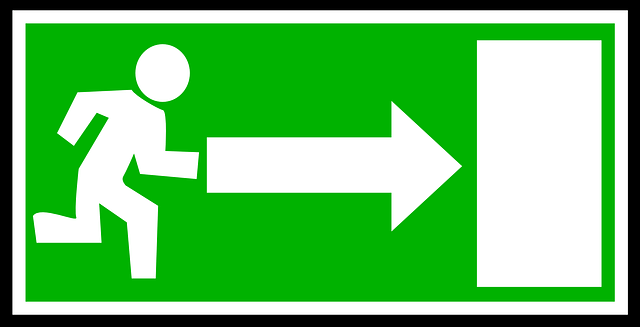 Clearly Visible Evacuation Signs