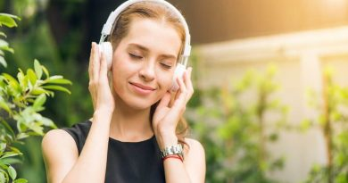 Why Do People Listen to Music? 8 Common Reasons for Jamming Out